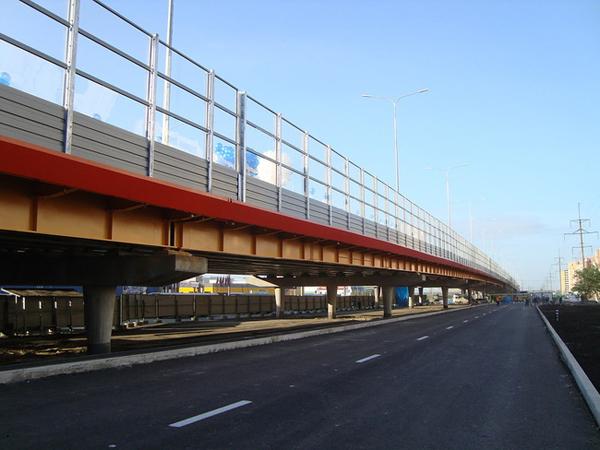 Строительство транспортных развязок на улицах Монтажников и Мельникайте в Тюмени идет по графику.