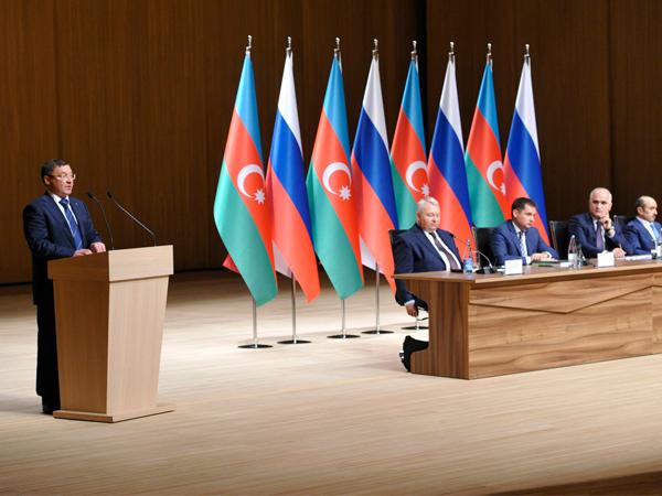 Владимир Якушев отправился срабочим визитом вАзербайджан